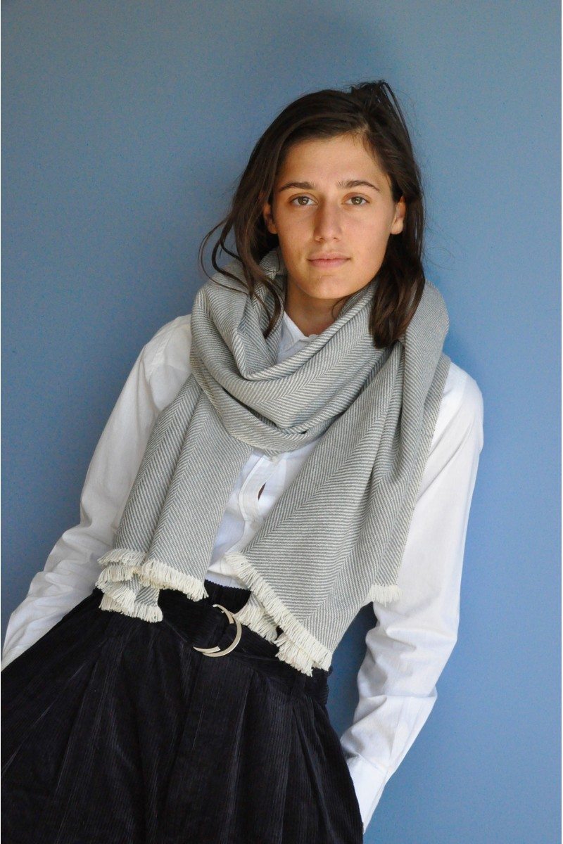 Scarf hand woven bicolor wool yak cashmere accessories exceptionnal softness warmth sustainable ethical
