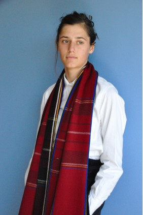 scarf stole accessories exceptionnal tartan wool scottish red classical gift handweave ethical sustainable human