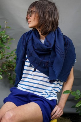 scarf indigo natural fiber natural dyes wool accessoires textile