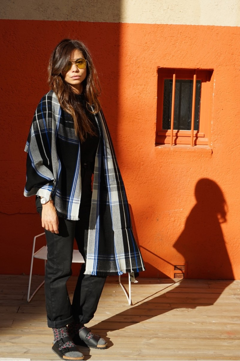 stole scarf accessories tartan scottish wool black and white soft mellow generous ethical sustainable handwoven human
